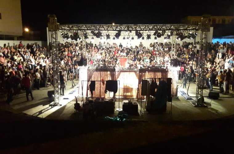 Público mata saudade da Temporada de Teatro e lota anfiteatro do Casarão